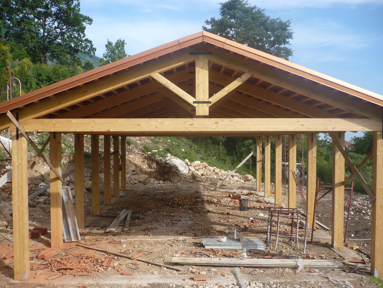 Casa di paglia stalla bioarchiettura sostenibile tempa del - Costruire una casa in paglia ...